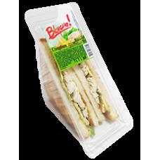 Сэндвич с филе курицей,маринованными огурцами и сыром Вкусно! 140 гр